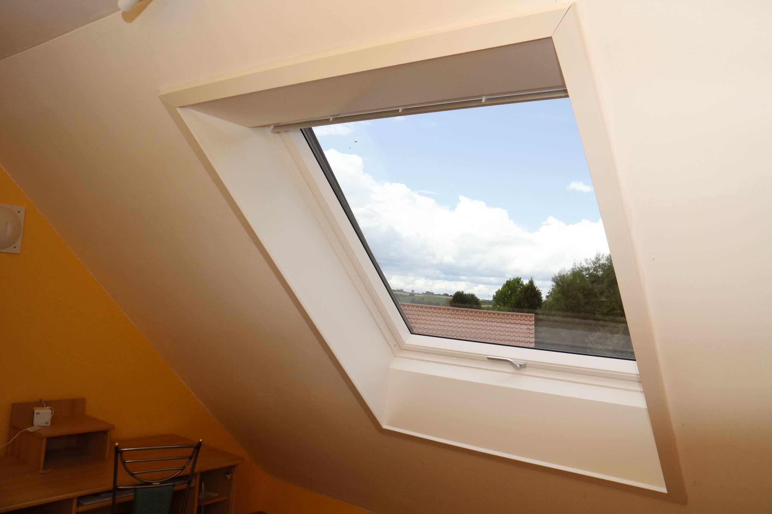 Einbau eines neuen VELUX Dachflächenfensters: